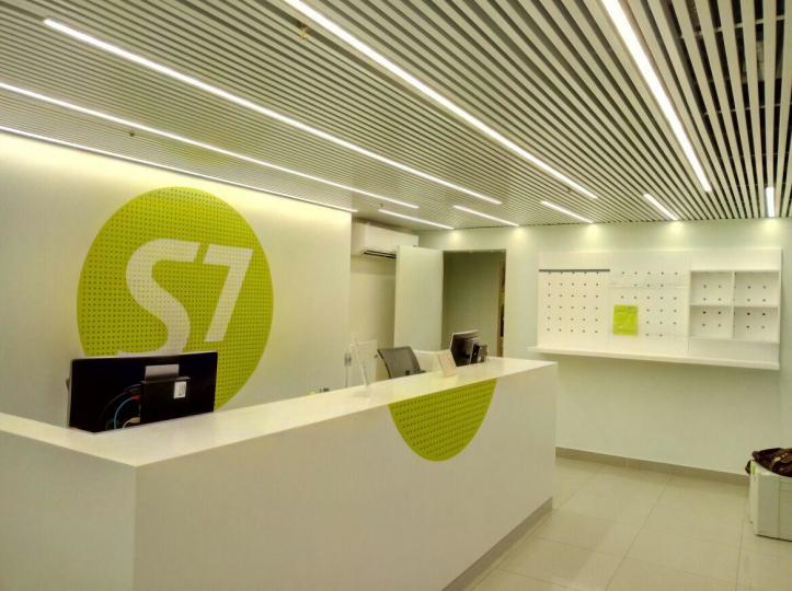 Пример мебели MebelExpert изготовленной для офисов продаж S7 фото №5