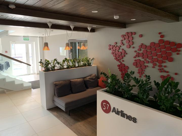 Пример мебели MebelExpert изготовленной для учебного центра (красный) фото №1