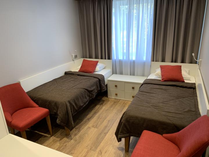 Пример мебели MebelExpert изготовленной для учебного центра (красный) фото №4