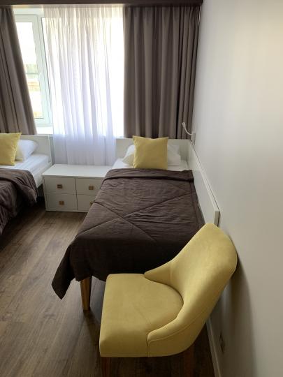 Пример мебели MebelExpert изготовленной для учебного центра (жёлтая) фото №5