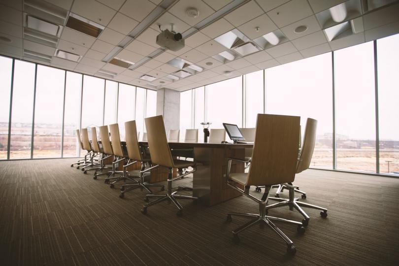 Пример изготовленной на заказ офисной мебели фото №1