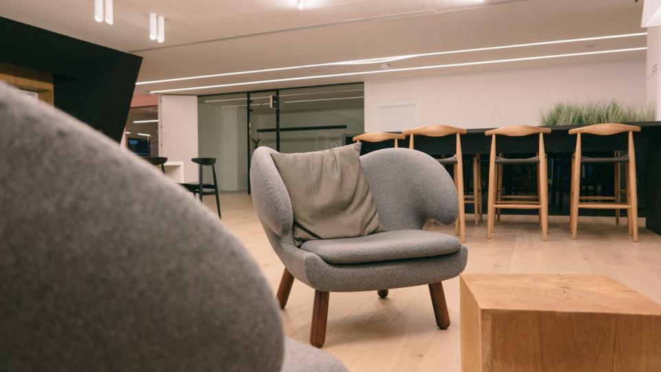 Пример изготовленной на заказ офисной мебели фото №9
